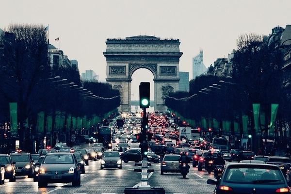 Париж полностью избавится от автомобилей с ДВС к 2030 году