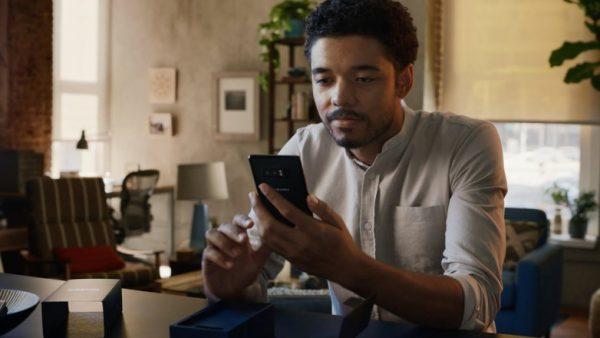 Motorola сняла продолжение рекламы, в которой Samsung высмеивал Apple (Видео)