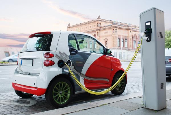 Электромобили в Украине могут подешеветь на 40%