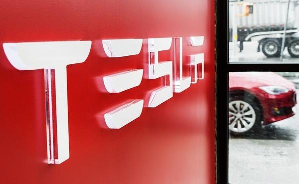 Илон Маск рассказал о будущих новинках Tesla