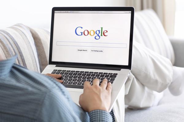 Количество поисковых запросов с ПК достигло пика в 2013 году