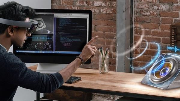 К 2021 году рынок устройств виртуальной и дополненной реальности вырастет в десять раз