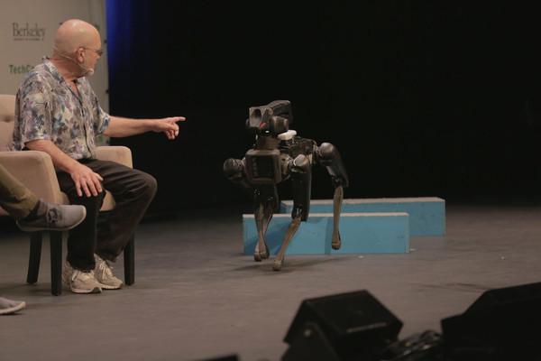 Boston Dynamics начнет продавать своих роботов в следующем году