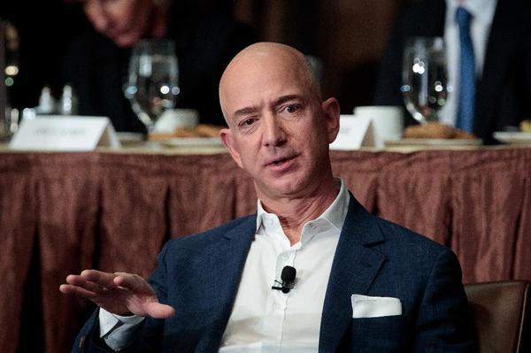 Состояние главы Amazon Джеффа Безоса упало на $3,2 млрд после публикации квартального отчета