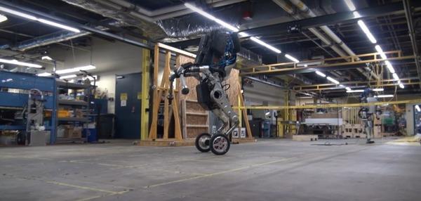 Boston Dynamics представила прыгучего робота на колесах