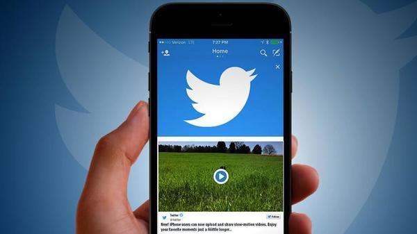 Twitter вернул хронологическую ленту спустя два года после запуска «умной»