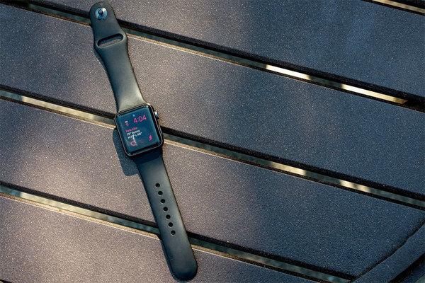 Глава Apple рассказал, что за год продажи Apple Watch выросли вдвое