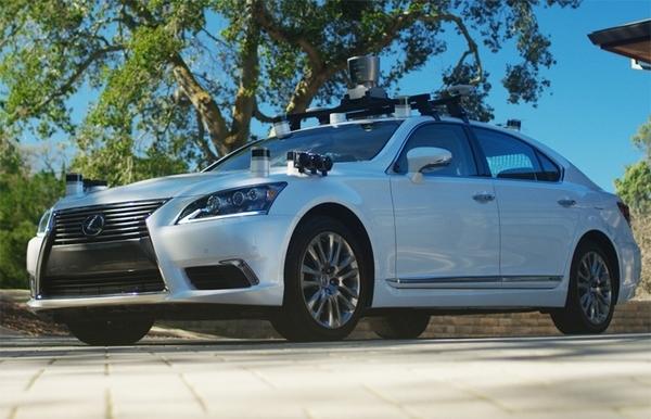 Toyota показала самоуправляемый Lexus, на котором будет проводить тестирование автопилота