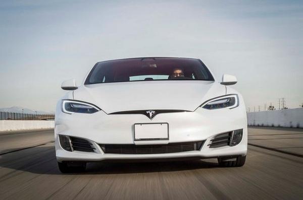 Tesla установила новый рекорд разгона для электромобилей