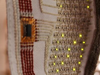 Корейские создали тканевой OLED-дисплей