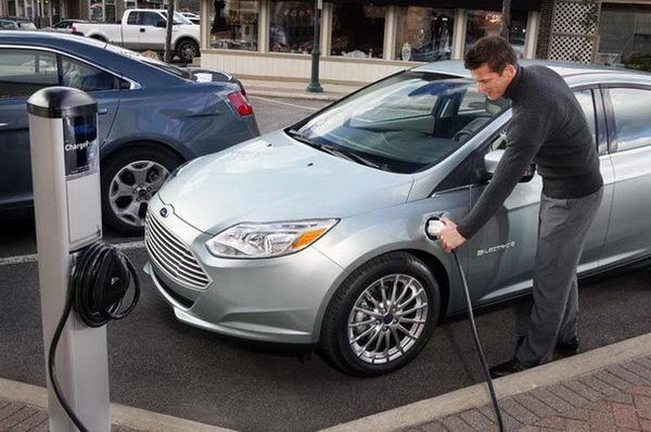 Депутаты предлагают освободить электромобили от налогов на импорт