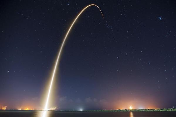 Запущенный SpaceX секретный спутник не достиг орбиты
