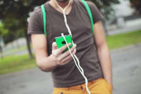 Потребители готовы переплачивать за качественные наушники
