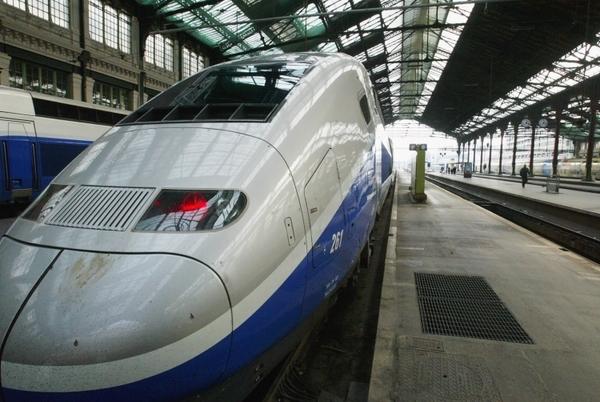 Франция хочет запустить беспилотные высокоскоростные поезда к 2023 году