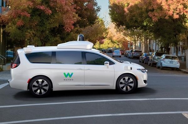 «Гугловские» робомобили проехали по публичным дорогам 3 миллиона миль