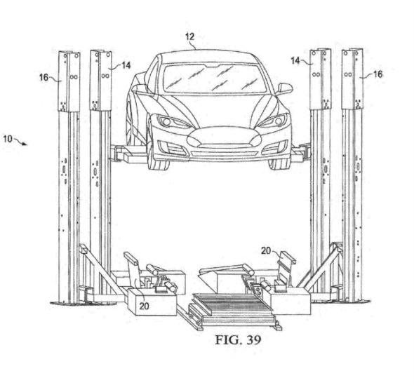 Tesla запатентовала технологию замены батарей электромобилей «на лету»