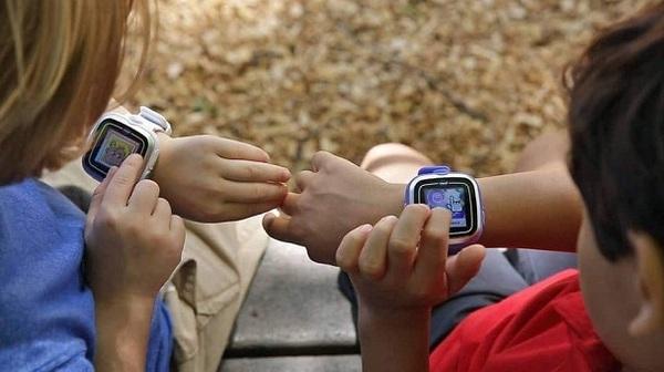 Власти Германии призвали родителей уничтожать смарт-часы их детей