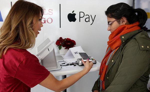 Более трети американских магазинов поддерживают Apple Pay