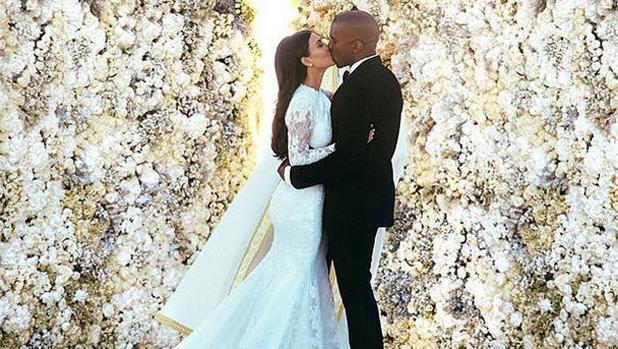 Свадебное фото Ким Кардашьян стало самым популярным в Instagram