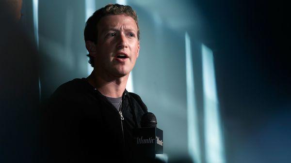 Facebook наймет модераторов для борьбы с ненавистью в соцсети