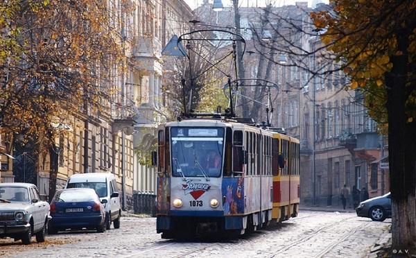 Во всех троллейбусах и трамваях Львова появилась возможность онлайн-оплаты проезда