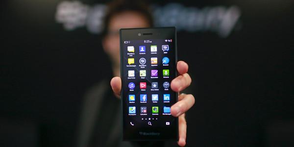 Китайская компания выкупила права на смартфоны Blackberry