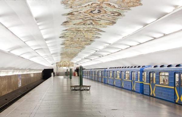 На 11 станциях киевского метро заработал бесплатный Wi-Fi