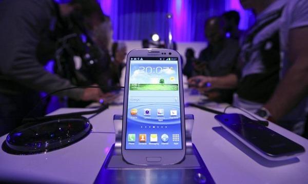 Доля продаж дорогих смартфонов впервые упала ниже отметки 30%