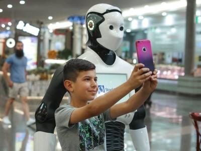 В австралийских магазинах появились первые роботы-помощники