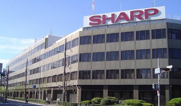 Foxconn пытается снизить цену на бизнес Sharp