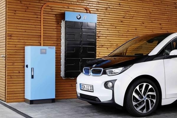 В BMW придумали, как с пользой использовать отслужившие батареи электромобиля i3