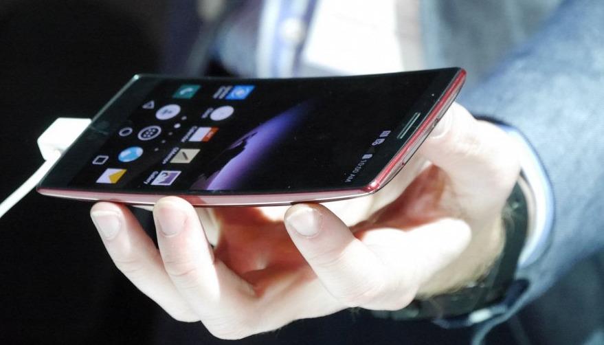 Самые лучшие смартфоны 2 15 года (по отзывам) Топ-1